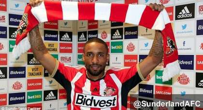 Everton v Sunderland: Jermaine Defoe starts – and he's playing for his Sunderland future