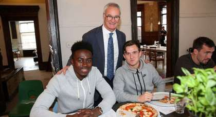 Zapsportz.com window on to footballers' social media… Pizza time as Claudio Ranieri rewards his Leicester City shut-out stars!